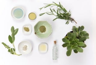 Canva - Healthy Skincare and Cosmetics - Copie